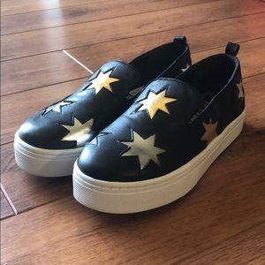 Black star sneakers from Sam Edelman